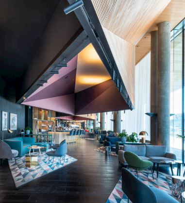 Lobby w Renaissance Warsaw Airport Hotel